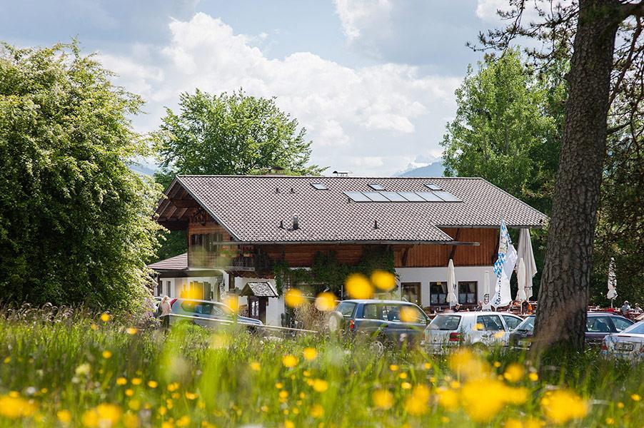 Berggsthof-Almhuette-Windbeutelalm-Garmisch-Partenkirchen-Terrasse001.jpg